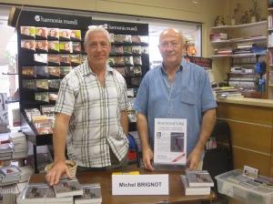 Avec Daniel Thouvelot, le gérant de la librairie des Arcades