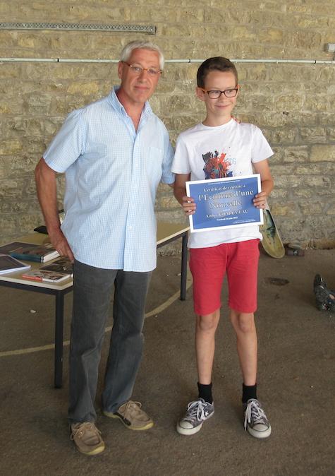 Lors le Saunier (Jura ) - 26 juin 2015 Avec le jeune lauréat du concours de nouvelles Jean-Marie Garet